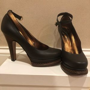 Yves Saint Laurent Brown leather high heels